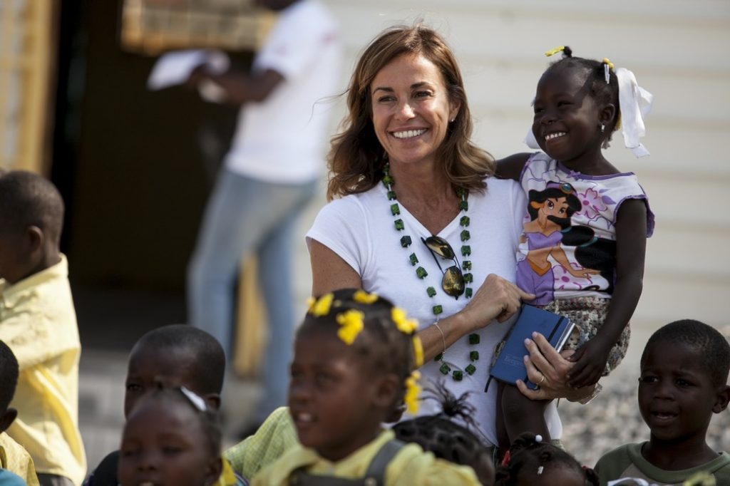 Cristina Parodi ad Haiti con Cesvi (Ph. Roger Lo Guarro).