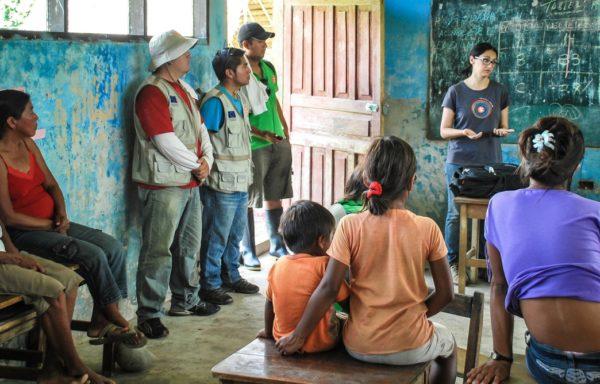 Incontri di formazione nelle comunità native. Foto di Yofre E. Morales Tapia