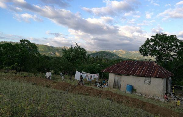 Famiglia nell'area rurale di Les Cayes, Haiti.