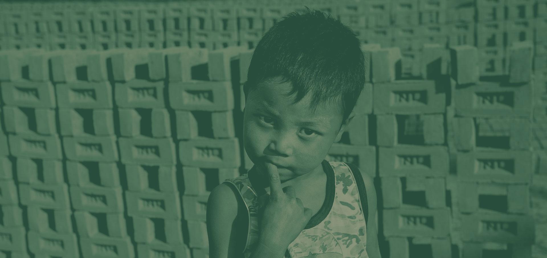 Adil: un'infanzia rubata