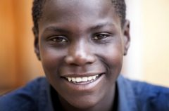 Pemberai, uno dei ragazzi della Casa del Sorriso di Cesvi ad Harare, Zimbabwe. Ph. Roger Lo Guarro.