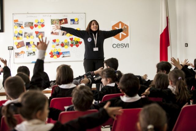 Cesvi e SIPEM SOS Marche offrono supporto psicologico ai bambini, i genitori e gli insegnanti delle aree terremotate. Foto di Roger Lo Guarro.
