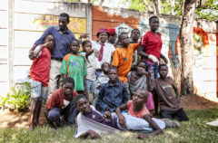 Ragazzi della Casa del Sorriso di Harare, Zimbabwe. Foto di Roger Lo Guarro.