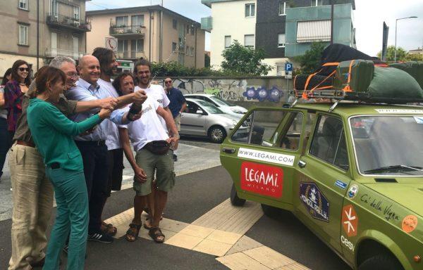 Un brindisi con Alessando Fasoli di Legami, sponsor dell'iniziativa, prima di scaldare i motori!