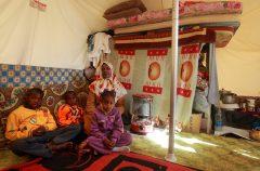 Donna con bambini in Libia ph. Giovanni Diffidenti