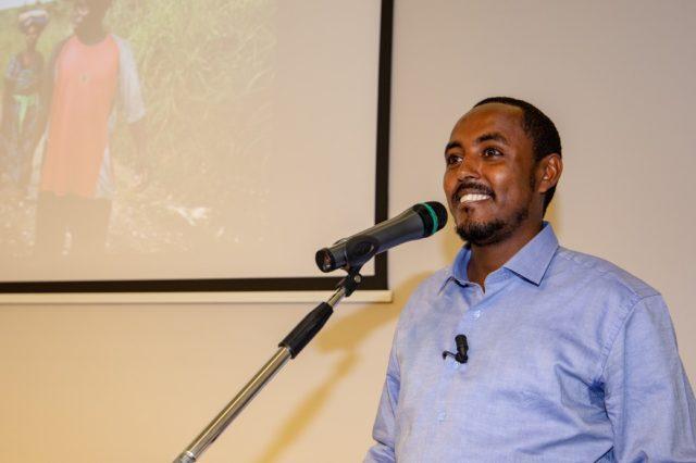 Mohamed Asan, vice Responsabile dei Programmi Cesvi in Somalia, durante il suo intervento alla presentazione dell'Indice Globale della Fame 2018. Foto di Valentina Prati.