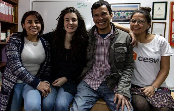 Lo staff Cesvi della Casa del Sorriso di Lima.