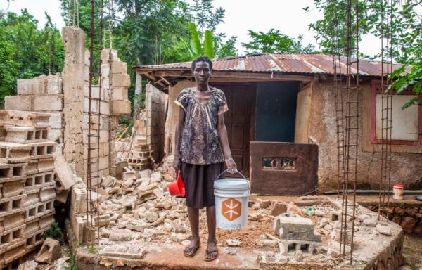 beneficiaria terremoto haiti